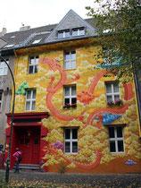 Kiefernstraße - Haus Nr. 7 - Dragon - Ben Mathis