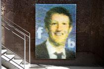 Thomas Baumgärtel, der Erfinder der Kunstbanane pixelt hier Mark Zuckerberg den Erfinder von Facebook