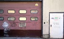 Stencil von L.E.T. in der Oberbilker Alle, ehem. TOOM-Baumarkt