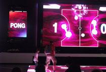 IFA 2012 | TELEKOM | Auch das gute alte Pong machte auf der großen Bühne und unterstützt von aktivierendem Sound richtig was her.