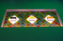IFA 2012 | LOEWE | Design-Kompetenz auch bei der Standgestaltung. Optische Highlights in Nischen weit oberhalb der Augenhöhe. Ein Marke, zu der man aufschauen kann (oder muss).
