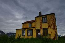 Leer stehendes Haus an der Straße 622 hinter Pingeyri