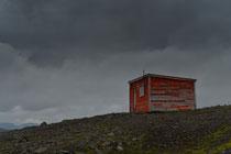 Schutzhütte im Hochland an der Straße 60