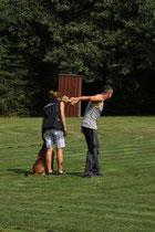 Frauli muss weiter schiessen lernen! ;o)