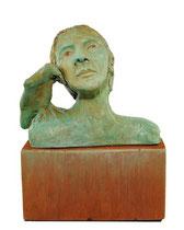 Celle qui parle aux corbeaux, argile, acrylique et bois, 19cmx14cmx8cm, 2012@mstjean