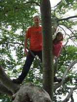 Bäumeklettern macht Spaß