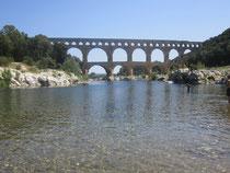 Und der Gardon fliest hier durch: Am Pont du Gard!