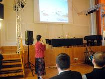 Mag. Elisabeth Sengstschmid bei der Präsentation