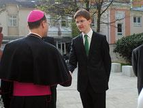 Weihbischof Dr. Stefan Turnovsky, Schulsprecher Christoph Hochegger