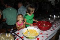 Auch die Kinder geniessen den Abend