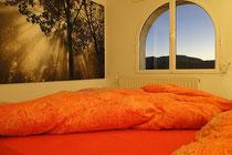 Schlafzimmer Ferienwohnung Valencia-  bei Sonnenuntergang