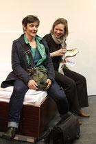 Nora Fuchs und Christine Kisorsy auf Nora Fuchs' Installation