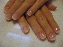 Recouvrement 2 poudres sur ongles naturels.