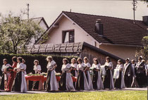 Die Festmädchen
