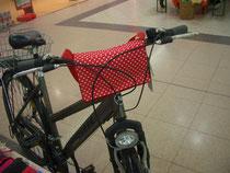 feewerk, Lenkertasche, Fahrradtasche, Hollandrad, Fahrrad, rote Punkte, dots