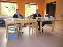 EC Hützel und Heimatverein Bispingen mit Lektüre