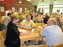Gemütliches Beisammensein im LandFrauen-Café