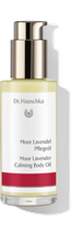 Jeder kennt die Momente, in denen er sich nach einer bewahrenden Hülle sehnt. Das Moor Lavendel Pflegeöl legt sich schützend um die Haut. Es entfaltet es einen weichen Duft, der einen entspannenden Schlaf fördert und beruhigt.