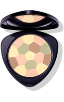 Ebenmäßige Teintfrische: Mit einer Komposition ausgewählter Farbnuancen mildert der farbkorrigierende Puder Rötungen, hellt Schatten auf und verleiht einen frischen Teint. Kann pur, ohne Grundierung, oder nach der Grundierung aufgetragen werden.