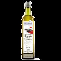 Verleiht warmen Gemüsegerichten, Sellerie und Lammfleisch eine herrlich mediterrane Note. Das ausgereifte und vollmundige Öl verwöhnt Ihren Gaumen zudem mit feinen Geschmacksnoten von Beere und reifer Olive.