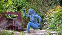 Nicole Brousse -femme bleue-sculptures de femmes resine ou bronze, couleur au choix-renseignements galerie Gabel-Biot-Antibes