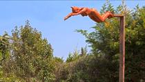 Nicole Brousse -La plongeuse-sculptures de femmes resine ou bronze, couleur au choix-renseignements galerie Gabel-Biot-Antibes