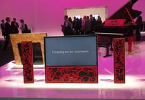 IFA 2012 | LOEWE | Nicht 'nur' Premium, sondern Luxury-Devision signalisiert LOEWE mit der Kooperation mit der italienischen Piano-Institution FAZIOLI. Die LOEWE-Sound-Kompetenz im Gewand der italienischen Nobelmarke.