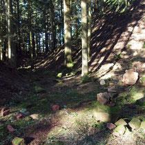 Der tiefe Burggraben
