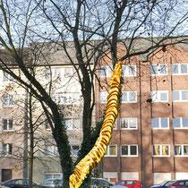Die Skulptur im Baum, Montage März 2017