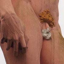 Die Detail-Aufnahme zeigt den durch Vandalismus entmannten David und die zunehmende Verschmutzungen und Schäden, Aufnahme-Datum: 26.12.2012