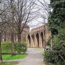Rabbiner Neumark-Weg, Blick in Richtung Stapeltor Aufnahme-Datum: 04.05.2006
