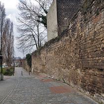 Blick entlang der Stadtmauer, Aufnahme-Datum: 16.04.2006