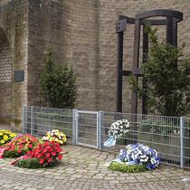 Mahnmal an die Duisburger Synagoge und die Opfer der Verfolgung, Aufnahme-Datum: 11.11.2005