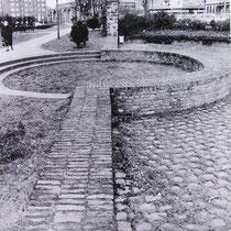 Quelle: Duisburger Forschungen Bd. 38, Nachbau der Stadtmauer Obermauerstraße