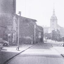 Quelle: Duisburger Forschungen Bd.38 Stadtmauer an der Untermauerstr. mit historischer Bebauung, Blick auf die Marienkirche 1963