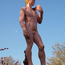 Die Skulptur einige Tage nach der Aufstellung, Aufnahme-Datum: 25.04.2010