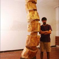 Marco Morosin mit Skulptur im Atelier, 20.07.2017