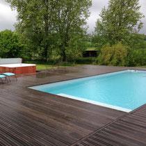 spa palatino encastré dans une terrasse piscine