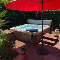 spa encastré dans une terrasse bois modèle Capitolo série Vacanza, Bazus