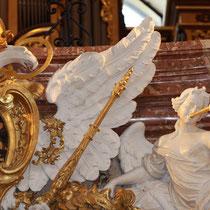 Restaurierung Karlskirche Wien 2007-2008 Glanzstuckfiguren an Orgelempore