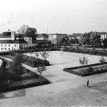 Ernst-Sachsbad mit Messeplatz