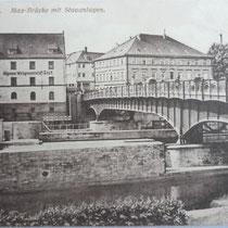 Mainpartie und Brücke um 1910