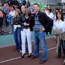 Auch der Schweinfurter Oberbürgermeister mi Gattin Monika lässt sich das Konzert der Scorpions im Willy Sachs Stadion nicht entgehen
