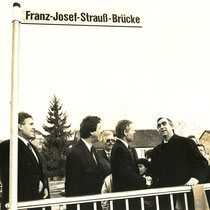 rechts: Theo Weigel