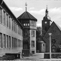 Schule Oberndorf mit Kirche - Danke Michael Kupfer