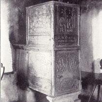 Eiserner Ofen im ratszimmer aus dem Jahre 1741 mit Darstellungen der Hochzeit von Kanaan