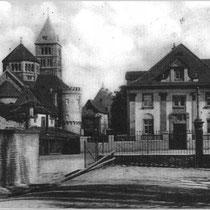 Stadtmauer mit Heilig Geist Kirche und Barthel Villa