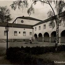 Das Gebäude in den 1930er-Jahren kurz nach Eröffnung des Ernst-Sachs-Bades