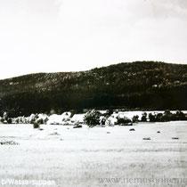 Eine der seltenen alten Ansichten von Neubäuhütten (Novosedelské Hute) am Fuß des Schauerbergs (Škarmanka).