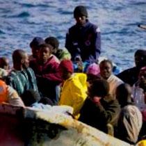 Flygtninge fra Afrika forsøger at forcere Fæstningen EUropa